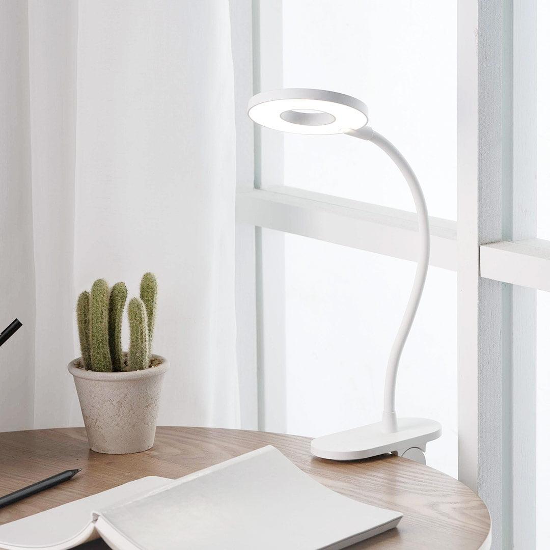 Đèn LED kẹp để bàn Yeelight J1